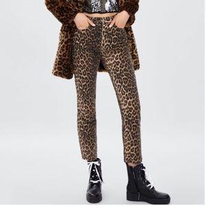 NWOT Zara Leopard Straight Leg High Waist Jeans